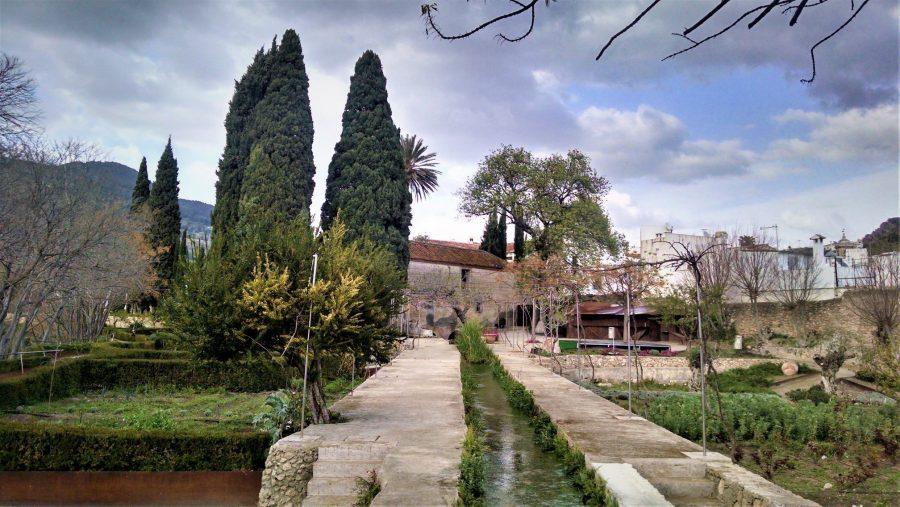 El Jardín Nazarí de Vélez Benaudalla, los pueblos más bonitos de Granada