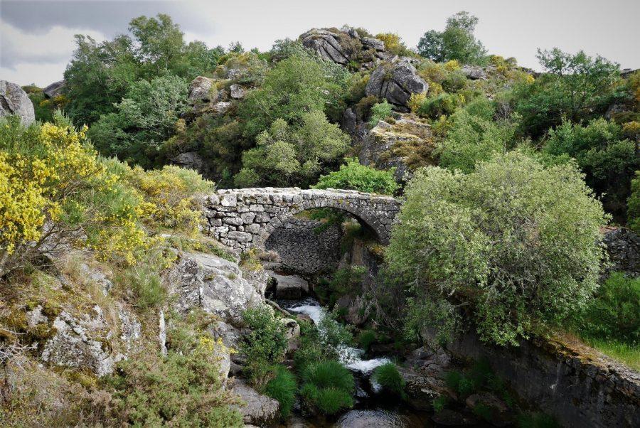 Puente sobre el río, Castro Laboreiro, qué hacer en Melgaço, Portugal