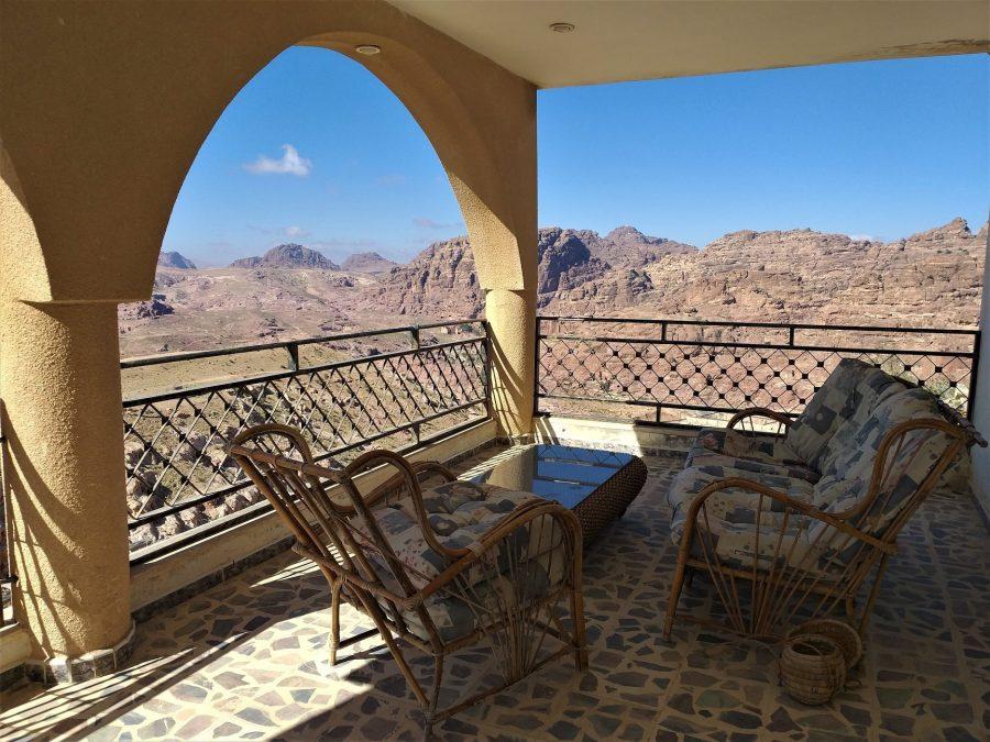 Terraza de la casa beduina, alojamiento en Petra