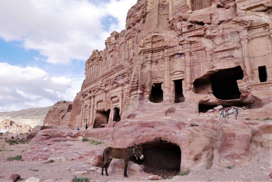 Tumbas corintias de Petra
