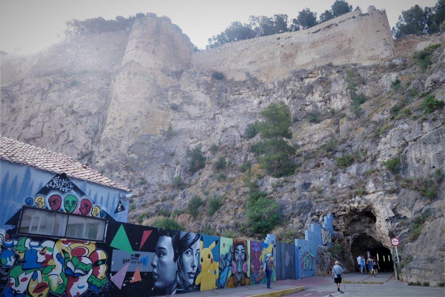 Arte urbano y castillo de Denia