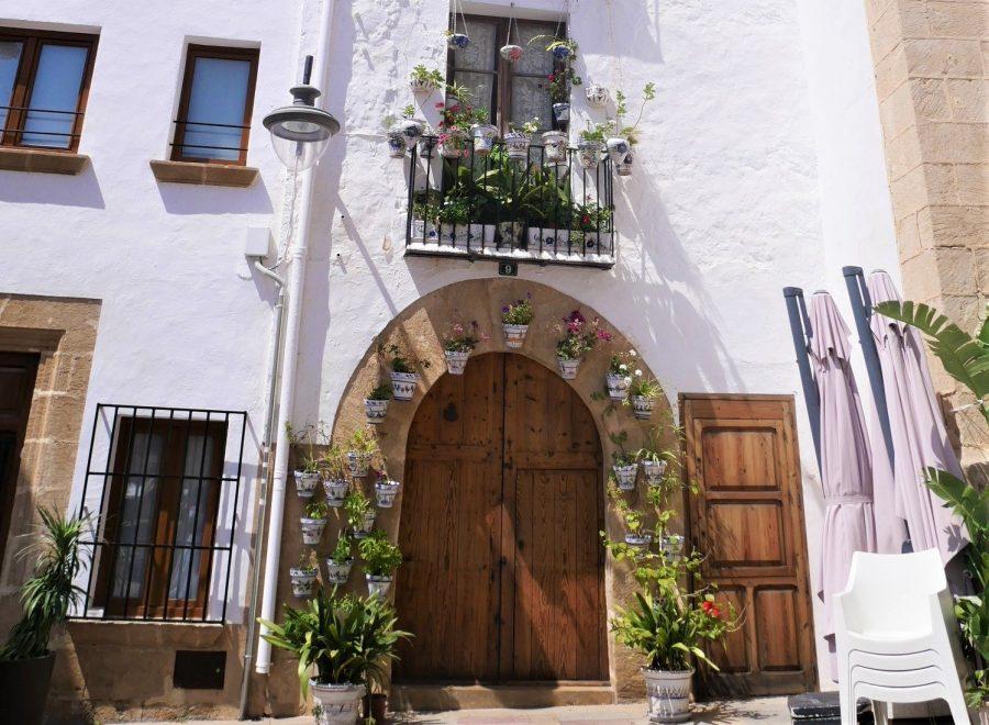 Fachadas de Jávea, pueblos bonitos que ver en Alicante