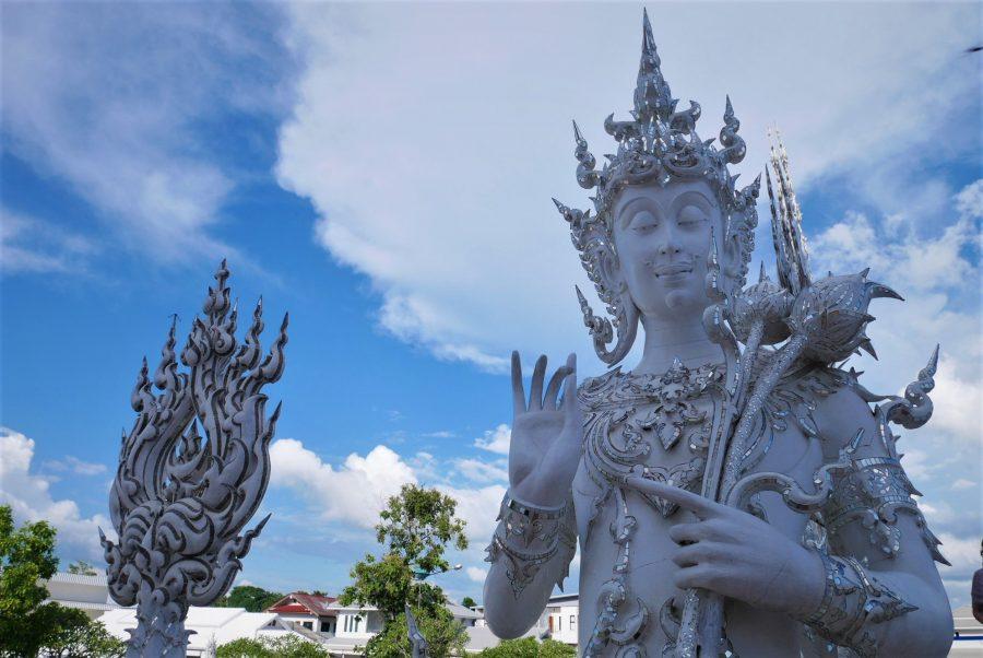 Estatuas del Templo Blanco de Chiang Rai