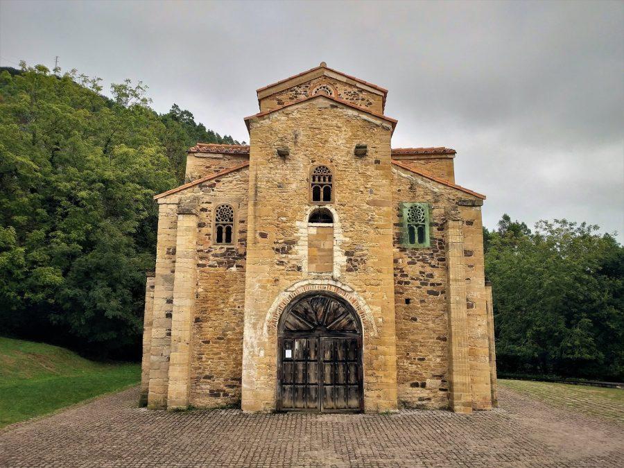 San Miguel de Lillo, Oviedo, ruta por Asturias en coche