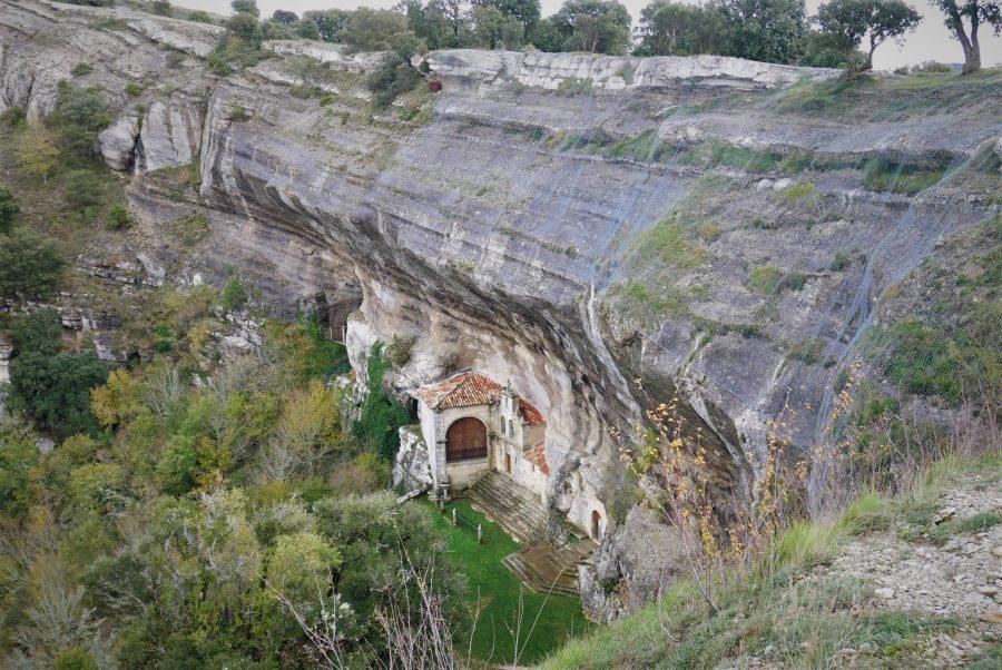Las Cuevas de Ojo Guareña, ermita de San Bernabé