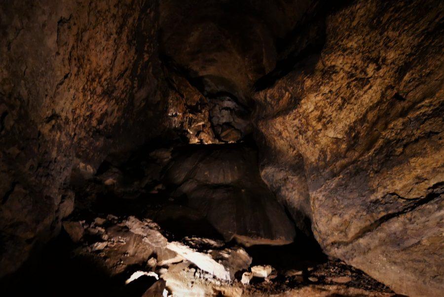 Ojo Guareña, interior de las cuevas