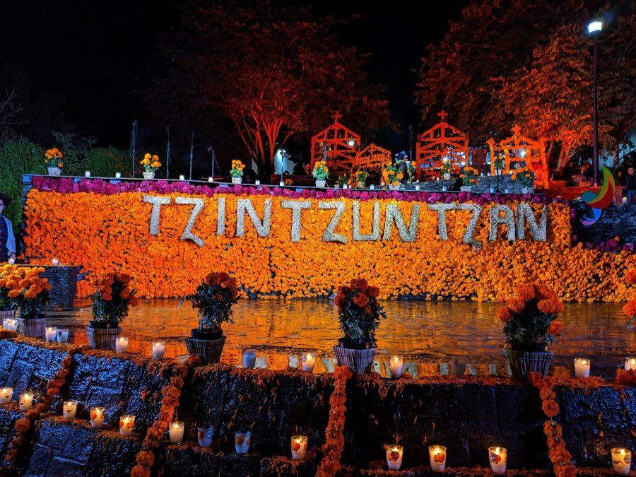 Tzintzuntzan en el Día de los Muertos