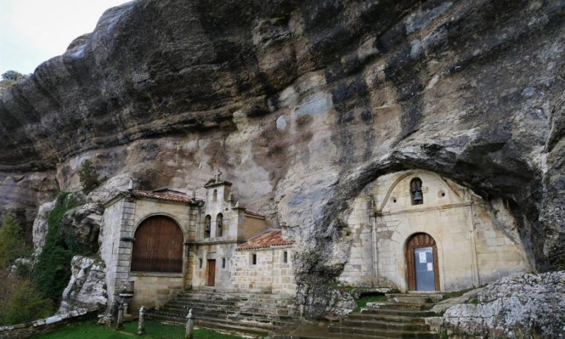 Visitar las cuevas de Ojo Guareña