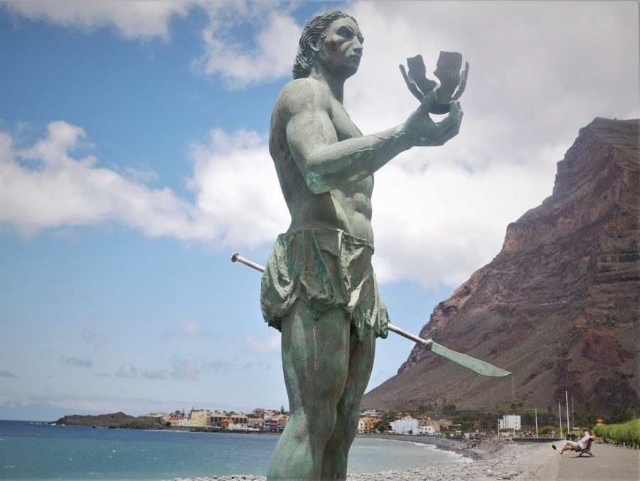 Estatuas de aborígenes de Canarias