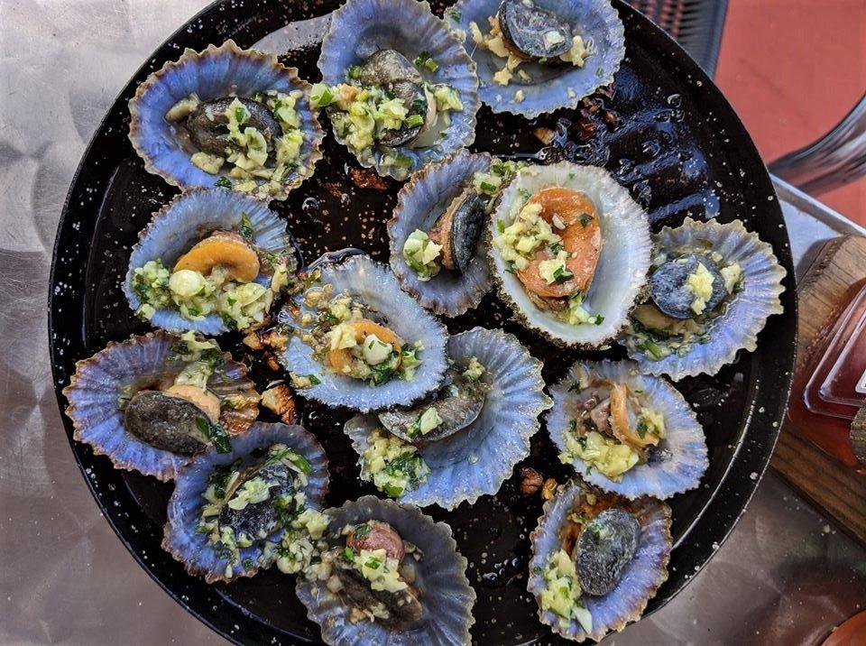 Lapas asadas, comida típica canaria