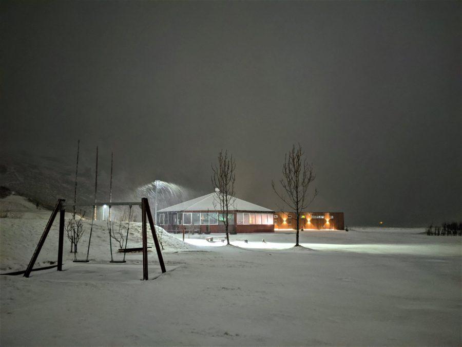 Camping de Vik en invierno, Islandia en furgoneta