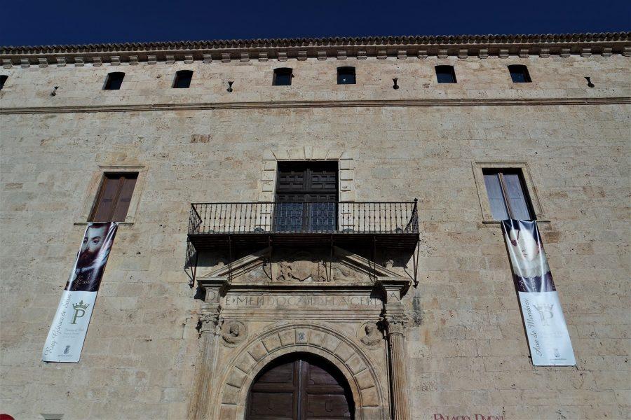 Fachada del Palacio Ducal de Pastrana