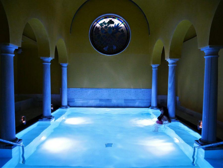 La piscina imantada del balneario de Las Caldas en Oviedo