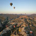 Volar en globo en La Capadocia, 10 experiencias viajeras que tendrías que vivir