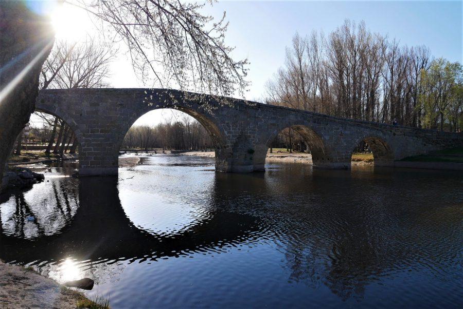 Puente Románico, qué ver en Navaluenga