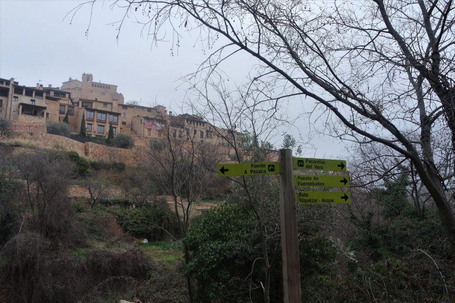 Señalización de rutas que hacer en Alquézar, Huesca