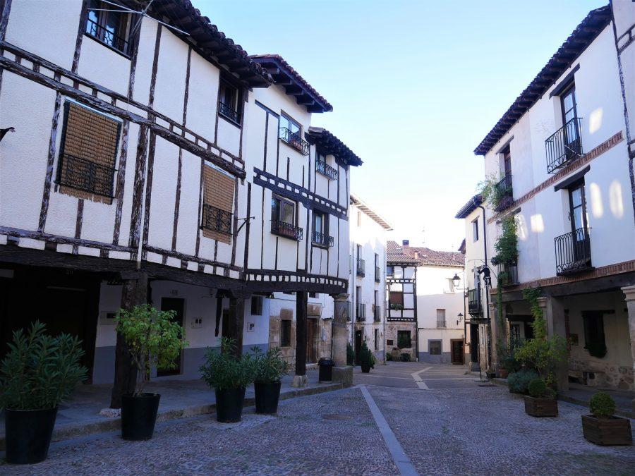 Arquitectura tradicional en Covarrubias, pueblos con encanto en Burgos