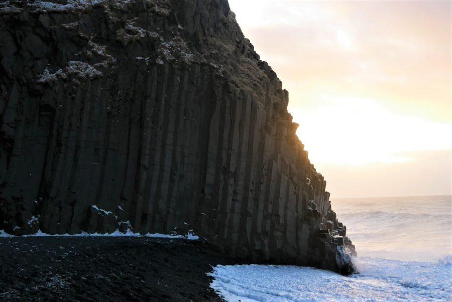 Columnas de basalto de la playa de Reynisfjara