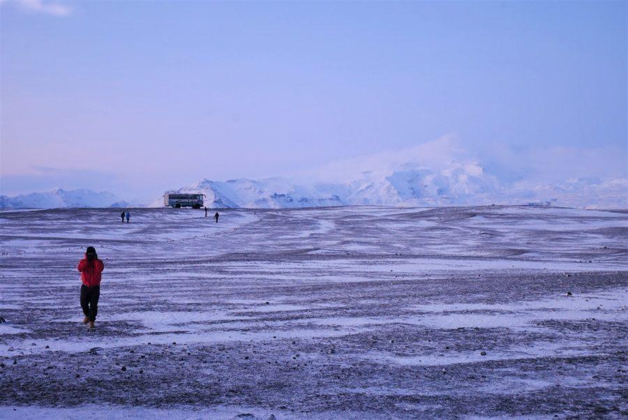 Autobús para llegar al avión abandonado de Islandia