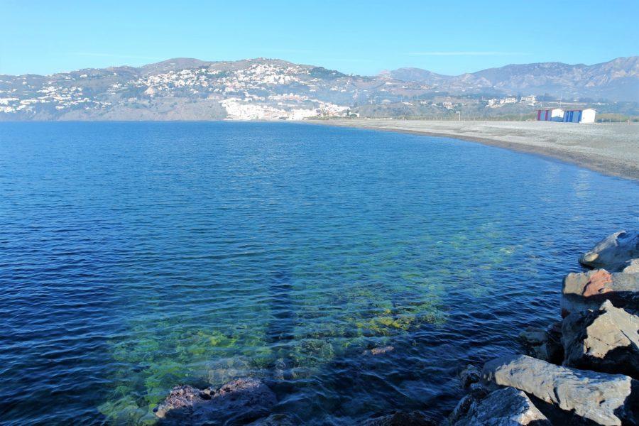 Playa del Peñón en Salobreña, Costa Tropical de Granada