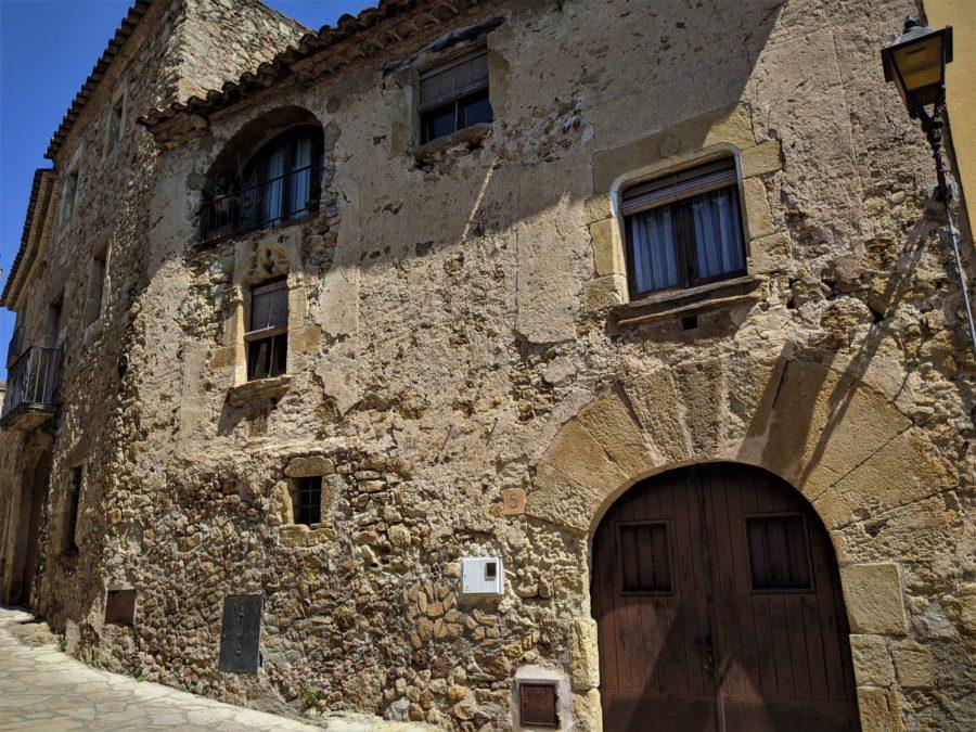 Arquitectura típica del Ampurá, Pals