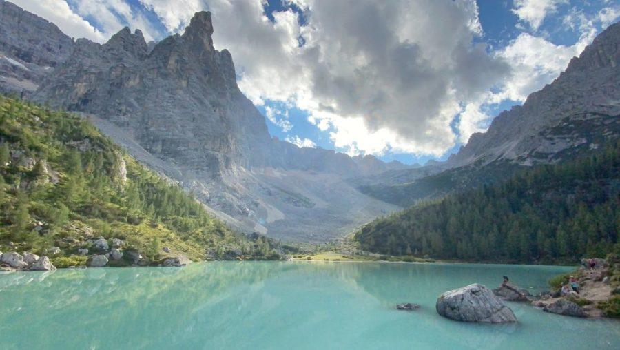 Lago di Sorapiis, ruta por los Dolomitas en Italia
