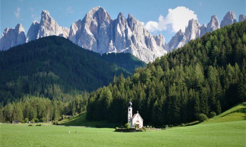 Val di Funes, ruta por los Dolomitas, Italia