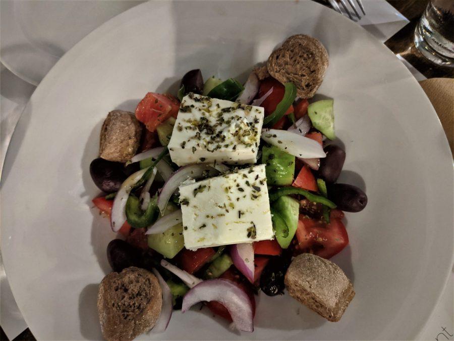 Ensalada griega, platos típicos de Grecia