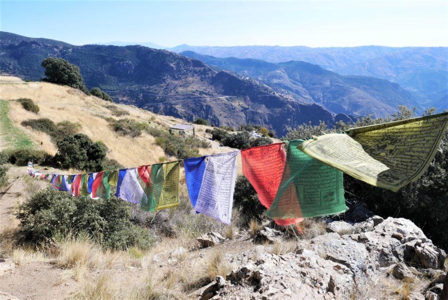 Banderas tibetanas en la Alpujarra
