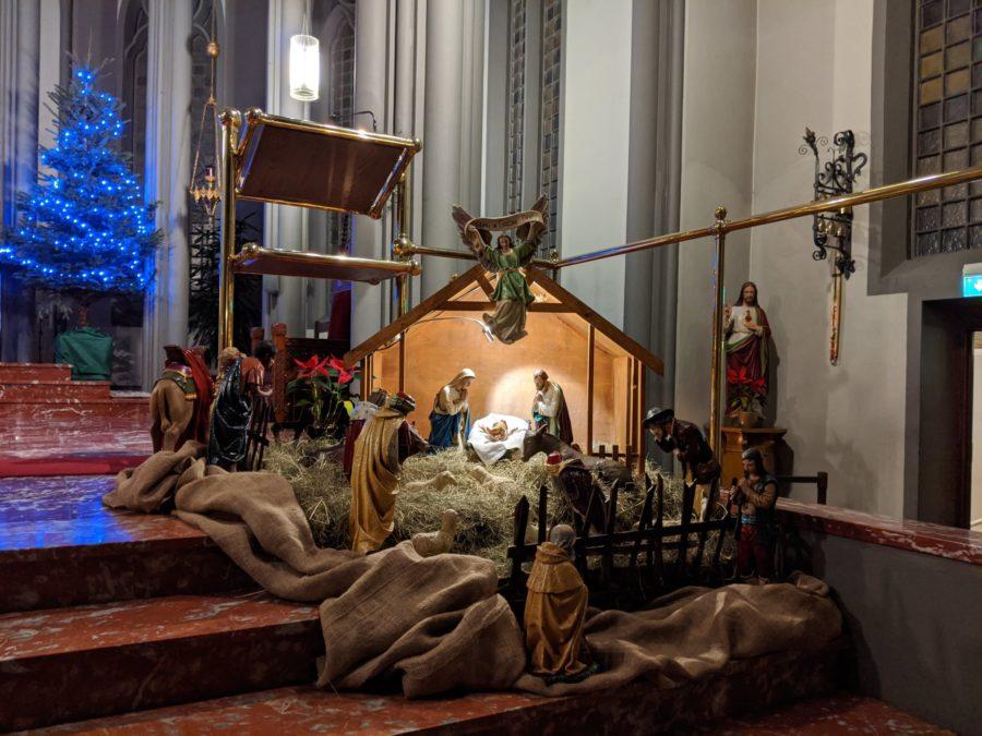 Belén en la iglesia católica de Reykjavík