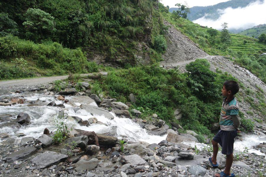 Caminos en el Himalaya, seguro para viajar a Nepal