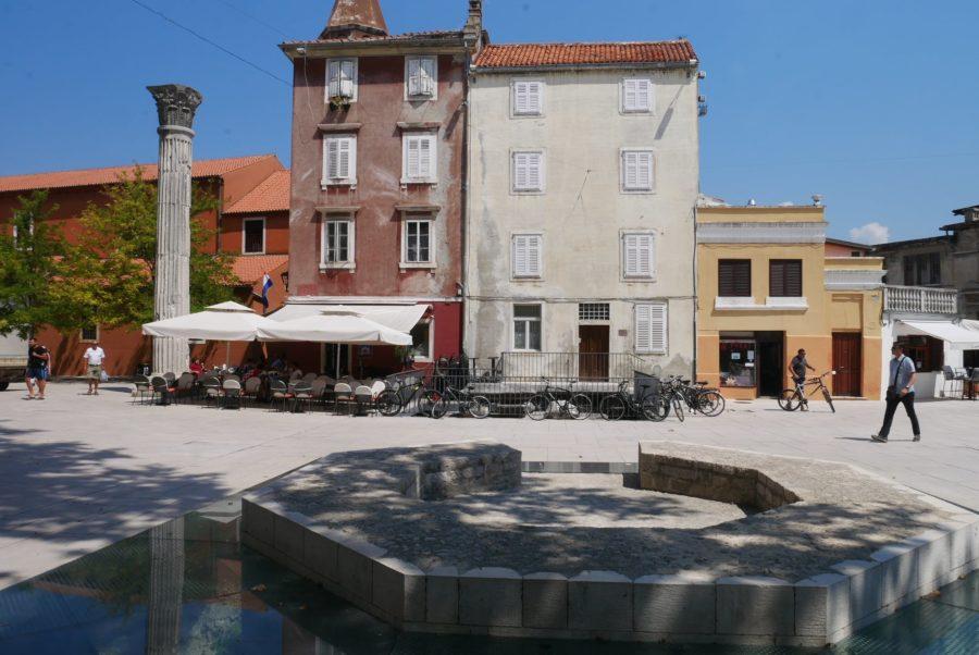 Columna romana, plaza de los Cinco pozos, qué ver en Zadar Croacia