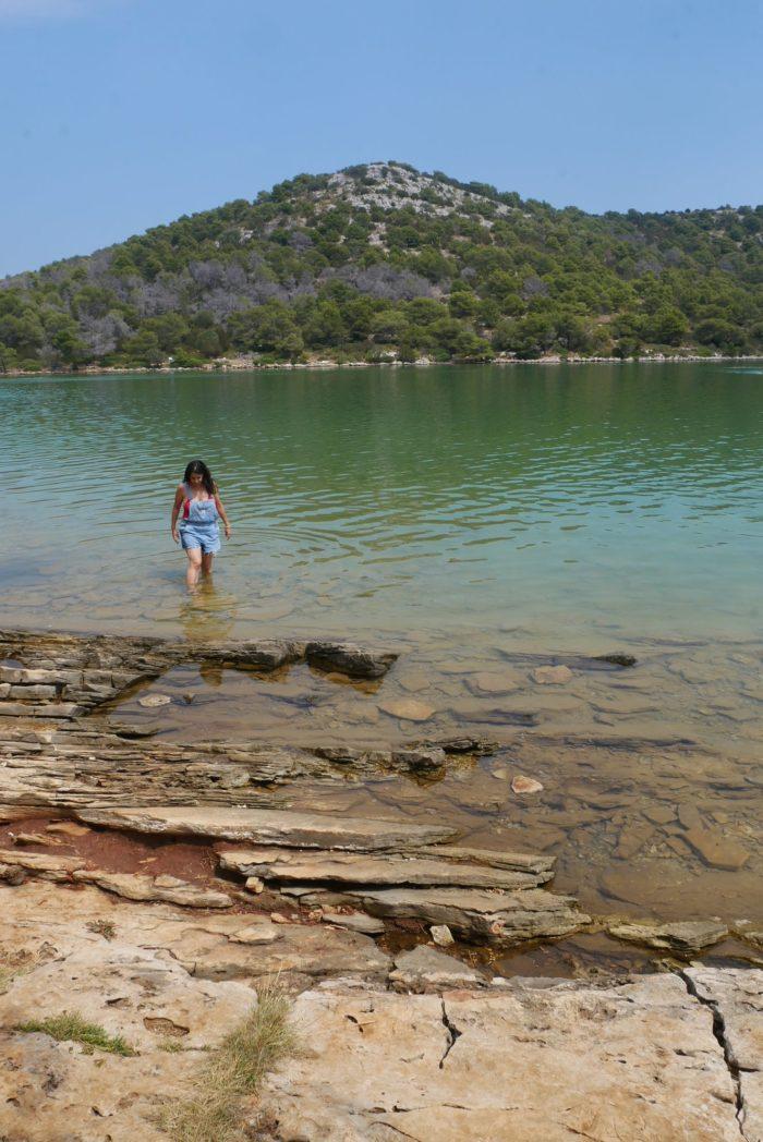 Lago salado de la isla de Otok en Kornati