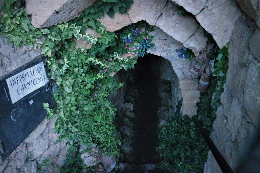 Acceso a las Cuevas Árabes, qué ver en Brihuega, Guadalajara