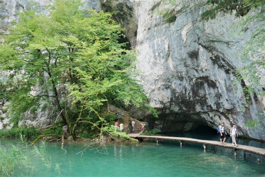 Cuevas y grutas, lagos de Plitvice