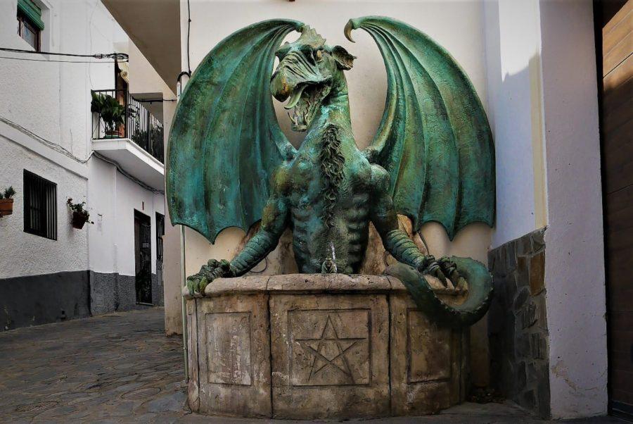 La fuente del Dragón, Soportújar