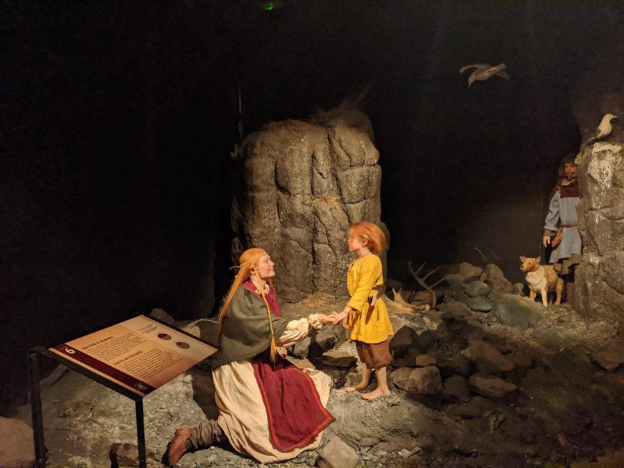 Mujeres y niños en Islandia, museo de las Sagas