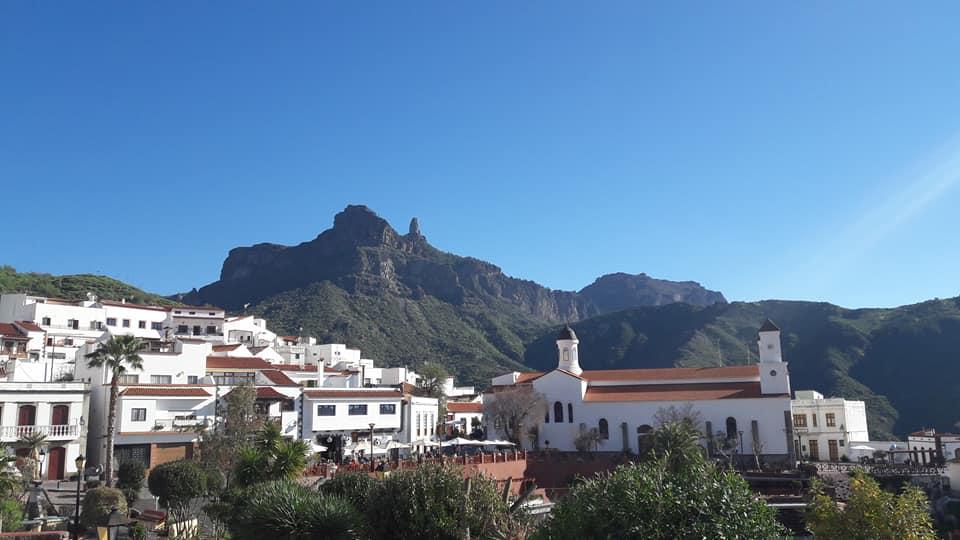 Bajo el Roque Nublo Tejeda, uno de los pueblos más bonitos de Gran Canaria