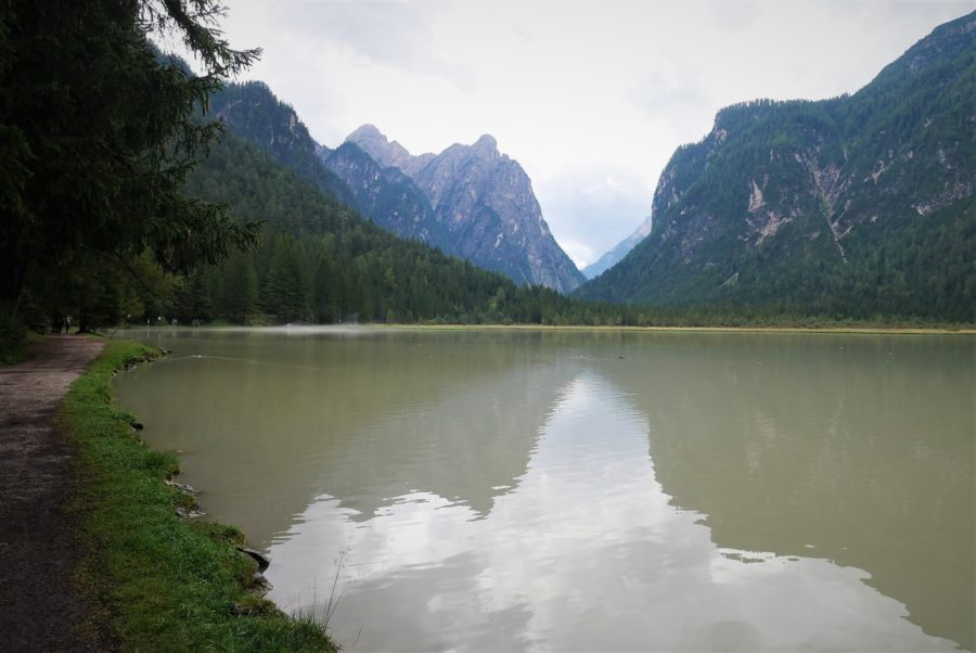 Lago de Dobbiaco, Los Dolomitas