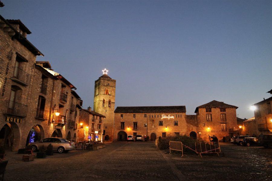 Plaza Mayor de Aínsa