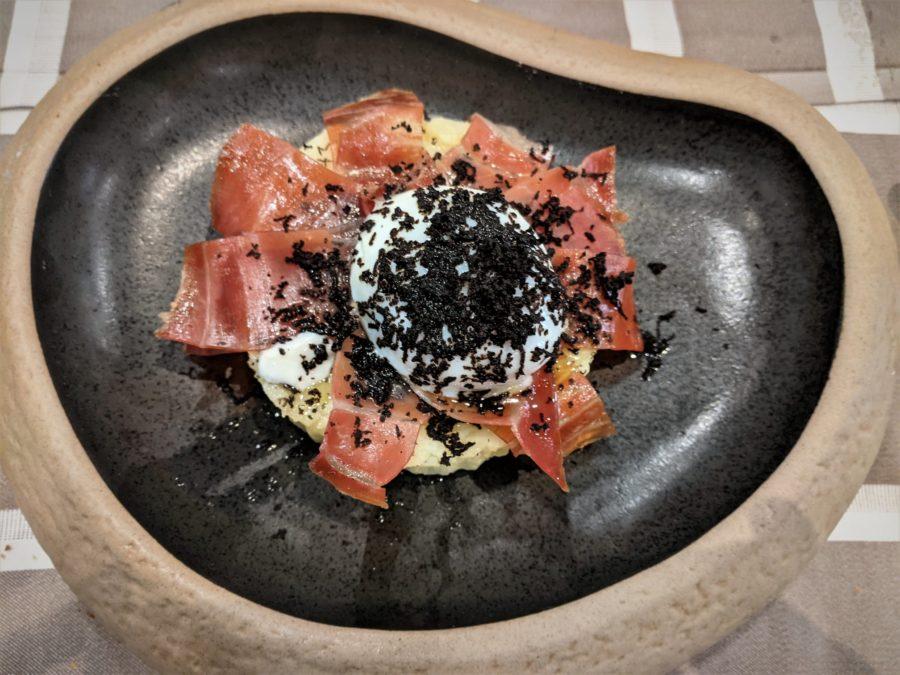 Huevos trufados con jamón de Teruel