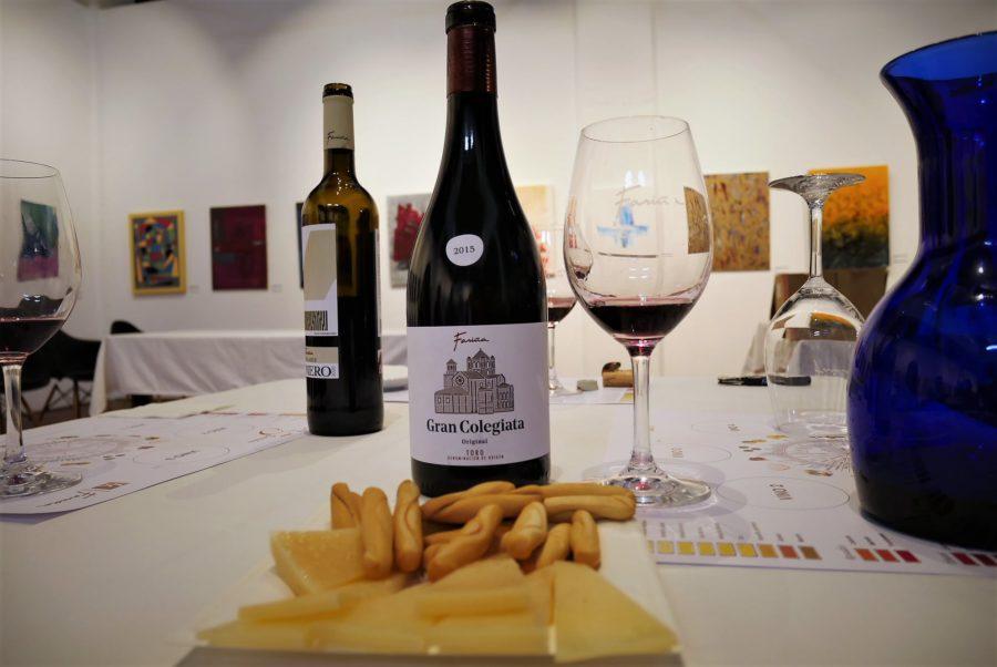 Cata de vinos en bodegas Fariña
