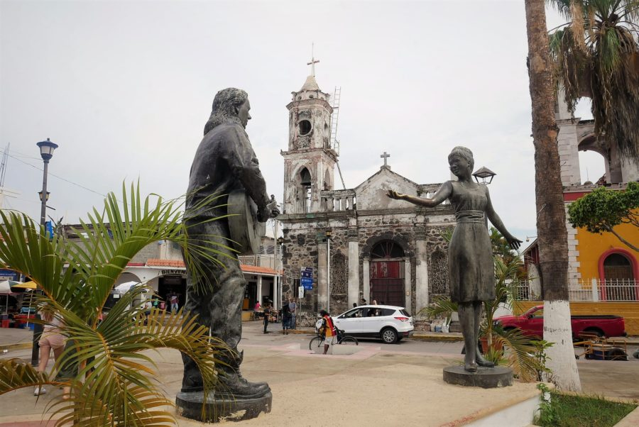 Monumento a Maná y a Rebeca Méndez