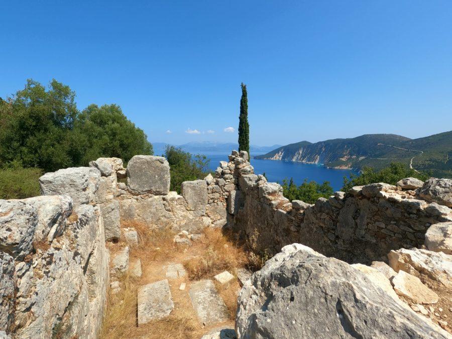 Restos del palacio de Ulises en Ítaca