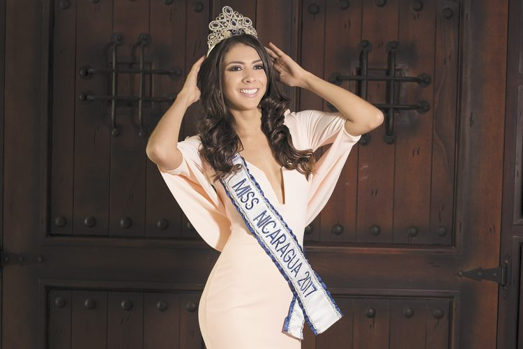 Berenice Quezada Crowned Miss Nicaragua 2017: La Costeñísima