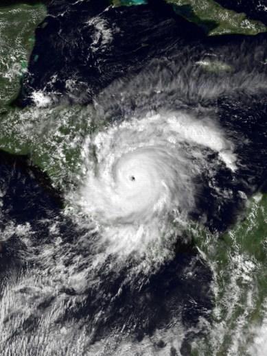 Huracán Joan