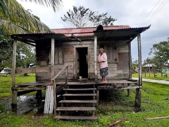 Casa destruida del territorio Awaltara, Caribe Sur.