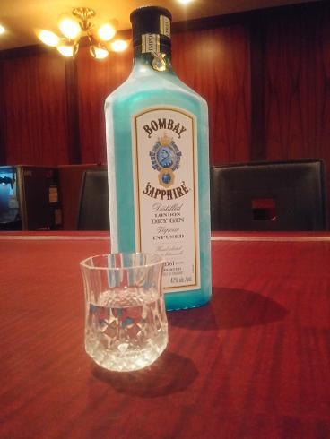 ボンベイサファイア,ジン,飲み方,おすすめ,人気,銘柄,飲みやすい,ジントニック,マティーニ