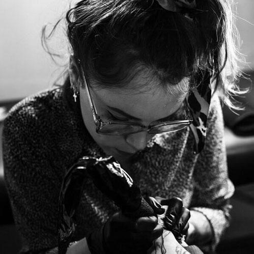 Lea La Cour Des Miracles Tatouage Tattoo Piercing Recouvrement Cover Toulouse Paris 4eme