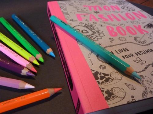 crayons-lyra003 (Large).jpg